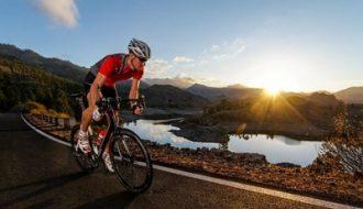 ciclista salobre carretera